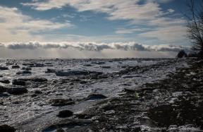 Le fleuve Saint Laurent gelé depuis l'îsle aux coudres, chemin des coudrierrs